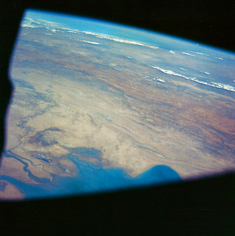 Green Fireball leaving Earth imaged by Apollo 7